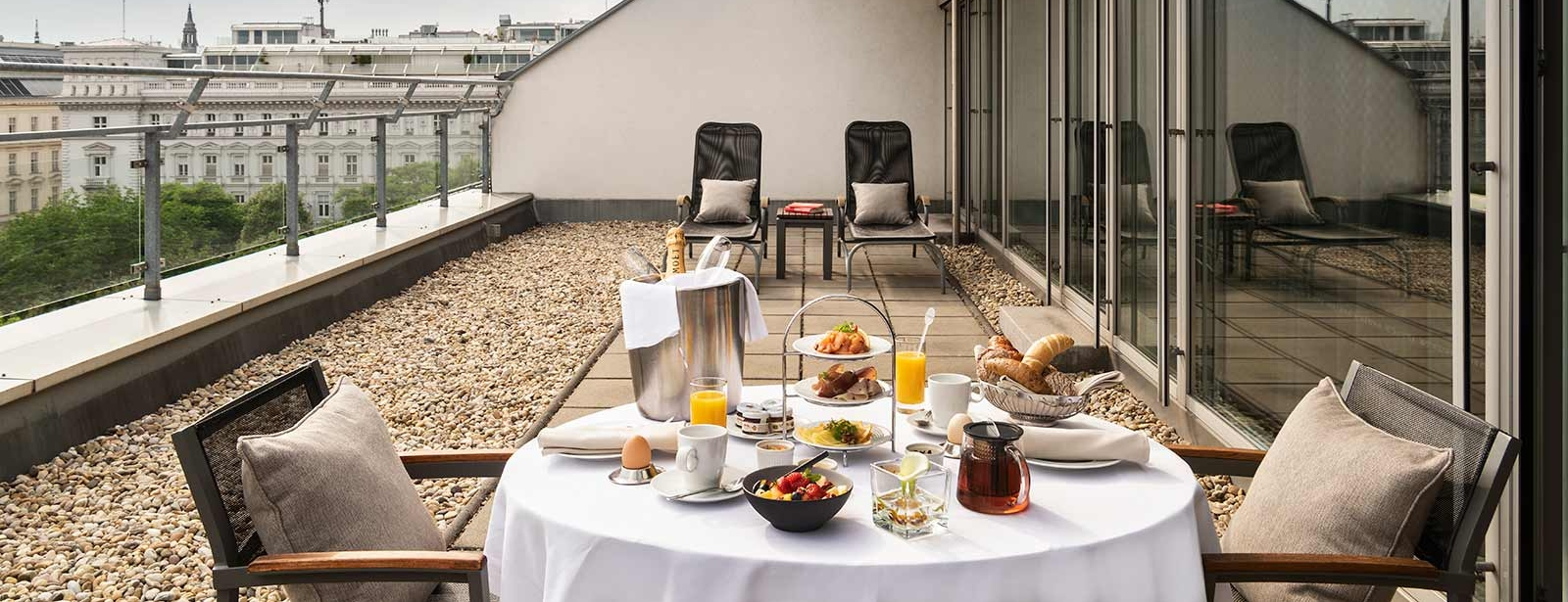 Le Méridien Vienna - Suites in Vienna - Rooftop Terrace Suite with breakfast and a view of Vienna